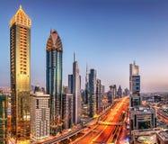 Vue panoramique de coucher du soleil de Dubaï de Burj Khalifa images stock