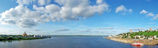 Vue panoramique de fleuve d'Oka dans Nizhny Novgorod Images libres de droits