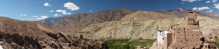 Vue panoramique de forteresse antique et de monastère bouddhiste (Gompa image libre de droits