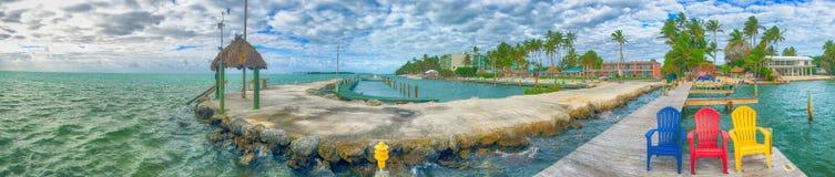 Vue panoramique de jetée en bois en Islamorada - Floride photos stock