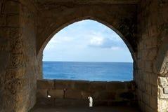 Vue panoramique de l'hublot du monastère Photographie stock libre de droits