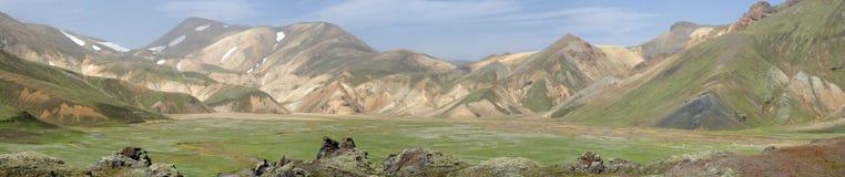 Vue panoramique de l'Islande de Landmannalaugar et de ces montagnes colorées photographie stock libre de droits