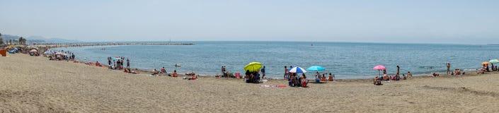 Vue panoramique de l'océan à la plage de Malagueta avec le sable chez Mala Photos libres de droits