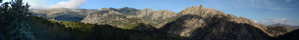 Vue panoramique de La Pedriza Photos stock