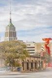 Vue panoramique de la tour de la vie et de la torche de l'amitié image stock