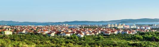 Vue panoramique de la ville de Zadar de route voisine Photos libres de droits