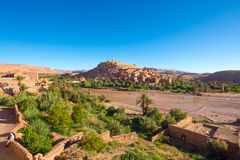 Vue panoramique de la ville enrichie d'AIT Ben Haddou Photos stock