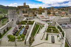 Vue panoramique de la ville médiévale reconstruite - château, la Géorgie images stock