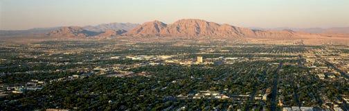 Vue panoramique de Las Vegas Nevada Gambling City au coucher du soleil Photos libres de droits