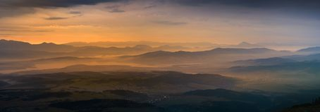 Vue panoramique de lever de soleil en montagne de Tatra Photos libres de droits