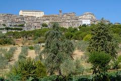 Vue panoramique de Lugnano dans Teverina Ombrie, Italie Photo stock