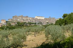 Vue panoramique de Lugnano dans Teverina Ombrie, Italie Image stock
