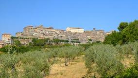 Vue panoramique de Lugnano dans Teverina Ombrie, Italie Photographie stock libre de droits