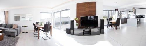 Vue panoramique de maison moderne photo libre de droits