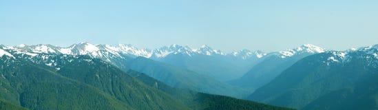 Vue panoramique de montagnes Image stock