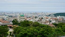 Vue panoramique de Naha du haut de château de Shuri photo libre de droits