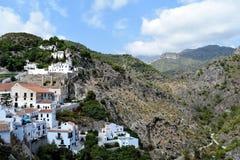 Vue panoramique de partie est de Frigiliana - village blanc espagnol Andalousie Photo libre de droits