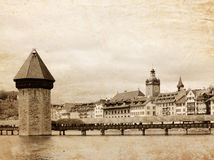 Vue panoramique de passerelle de chapelle, passerelle en bois couverte célèbre. Luzerne Suisse Photos libres de droits