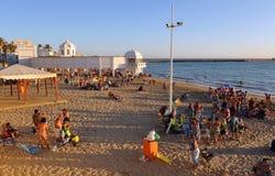 Vue panoramique de plage de Caleta de La, Costa de la Luz, Cadix, Andalousie, Espagne Photo stock