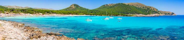 Vue panoramique de plage Majorque Majorca Espagne de Cala Agulla Photographie stock