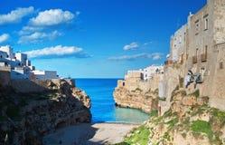 Vue panoramique de Polignano. Apulia. Photographie stock
