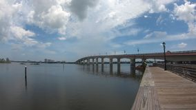 Vue panoramique de pont de Broadway dans Daytona banque de vidéos