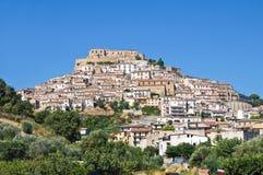 Vue panoramique de Rocca Imperiale La Calabre l'Italie images stock