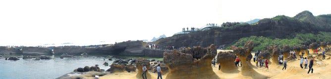 Vue panoramique de roche de tête de la Reine dans Yehliu Geopark Image stock