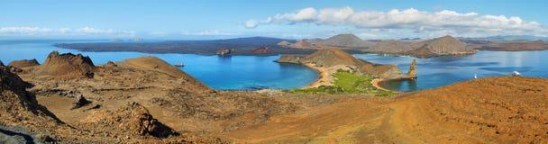 Vue panoramique de roche et d'environs de sommet dans Bartolome photos libres de droits