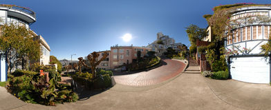 Vue panoramique de rue de Lombard photographie stock