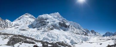 Vue panoramique de secteur de camp de base d'Everest Photographie stock