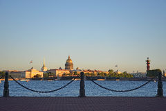 Vue panoramique de St Petersburg avec des îles de Sachigo, la flèche Image libre de droits