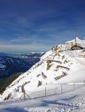 Vue panoramique de station de sports d'hiver de Mannlichen au Lauterbrunne Image stock
