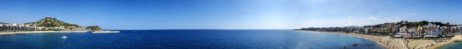 Vue panoramique de station touristique et de plage Blanes, Catalogne, Espagne Photographie stock
