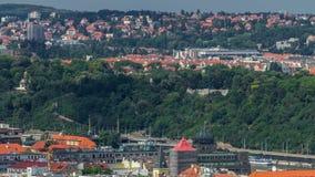 Vue panoramique de timelapse de Prague du haut du Vitkov commémoratif, République Tchèque clips vidéos
