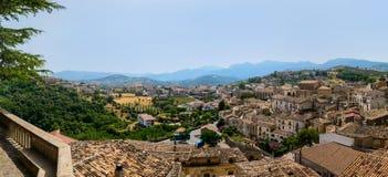 Vue panoramique de Tomaso Campanella Square, Altomonte Images stock