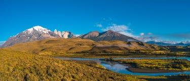 Vue panoramique de Torres del Paine, parc national, Patagonia image stock