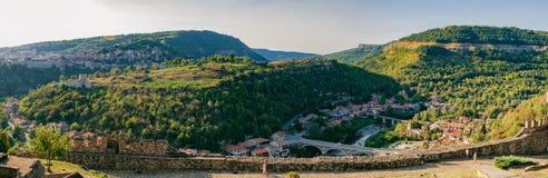 Vue panoramique de Veliko Tarnovo, Bulgarie photo stock