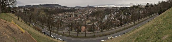 Vue panoramique de vieille ville de Berne sur le lever de soleil switzerland Image stock