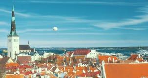 Vue panoramique de vieux Tallinn banque de vidéos