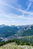 Vue panoramique de village de Bardonecchia d'en haut, l'Italie Image stock