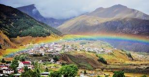 Vue panoramique de ville de Kazbegi photo libre de droits
