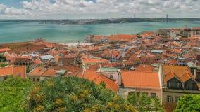 Vue panoramique de ville et de Tage de Lisbonne banque de vidéos