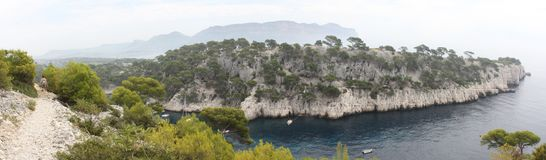 Vue panoramique des criques de Cassis Image libre de droits