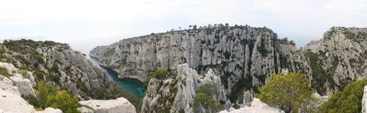 Vue panoramique des criques de Cassis Image stock