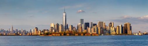 Vue panoramique des gratte-ciel du centre de Manhattan et de New York image libre de droits