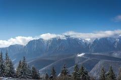 Vue panoramique des montagnes de Bucegi Image libre de droits