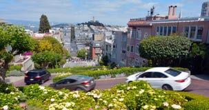 Vue panoramique des montagnes russes de rue de Lombard contre San Francisc Photo stock