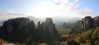 Vue panoramique des roches et des monastères de Meteora, Grèce photo libre de droits