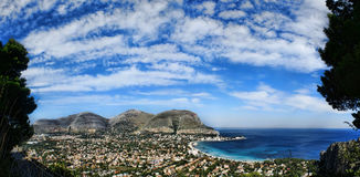 Vue panoramique du golfe des mondello Photos stock